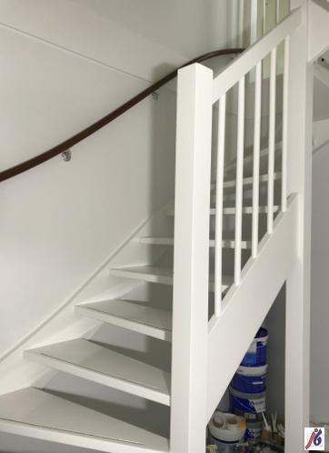 Trapopgang, binnenschilderwerk