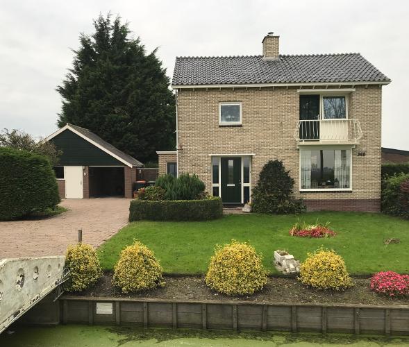 Vrijstaand woonhuis Zwaagdijk